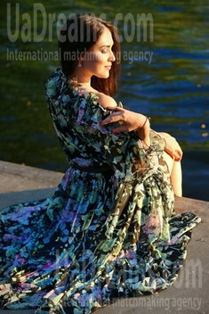 Nika from Zaporozhye 28 years - search for love. My small public photo.