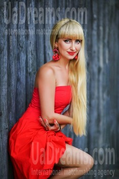 Tanya from Zaporozhye 41 years - Warm-hearted girl. My small public photo.