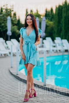 Yana from Lutsk 25 years - want to be loved. My small public photo.