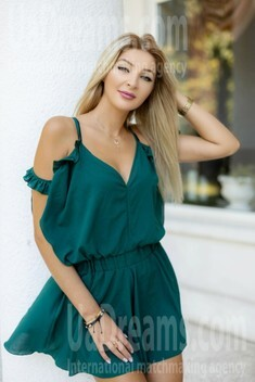 Mariana from Ivano-Frankovsk 32 years - girl for dating. My small public photo.