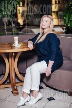 Viki Rovno 35 y.o. - intelligent lady - small public photo.