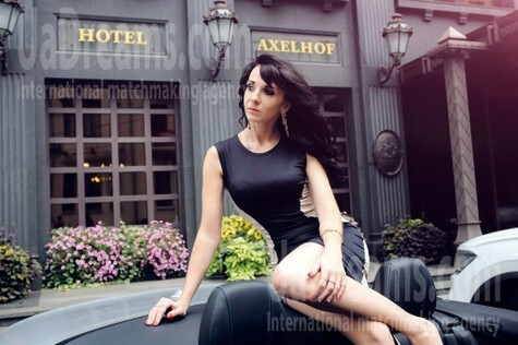 Darya from Dnipro 30 years - carring woman. My small public photo.