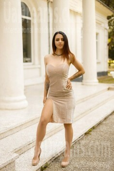 Diana from Ivano-Frankovsk 22 years - wants to be loved. My small public photo.