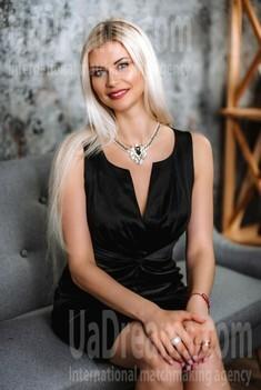 Aleksandra from Poltava 33 years - favorite dress. My small public photo.