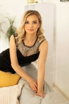 Oksana Ivano-Frankovsk 34 y.o. - intelligent lady - small public photo.