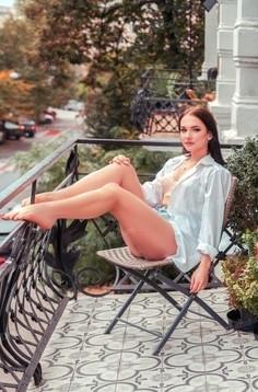 Di Kiev 18 y.o. - intelligent lady - small public photo.