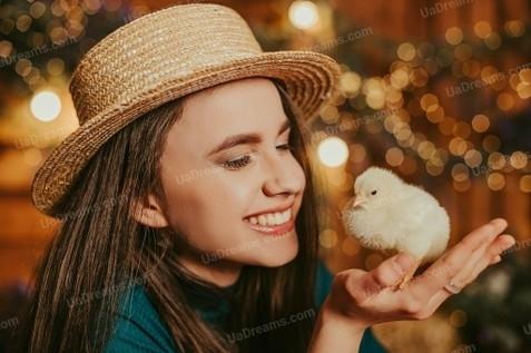 Lana Dnipro 21 y.o. - intelligent lady - small public photo.