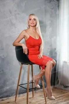 Julia Rovno 46 y.o. - intelligent lady - small public photo.