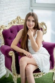 Anastasiia Nikolaev 19 y.o. - intelligent lady - small public photo.