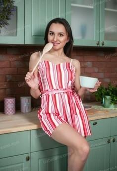 Alyona Zaporozhye 24 y.o. - intelligent lady - small public photo.