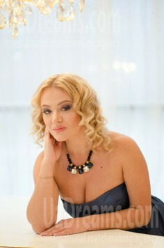 Alyona Odessa 33 y.o. - intelligent lady - small public photo.