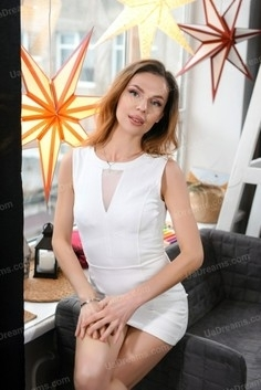 Olia Rovno 36 y.o. - intelligent lady - small public photo.