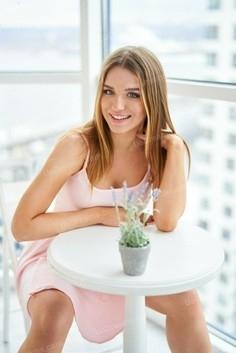 Alisa Nikolaev 18 y.o. - intelligent lady - small public photo.