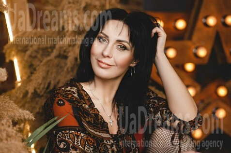 Oksana Kremenchug 39 y.o. - intelligent lady - small public photo.