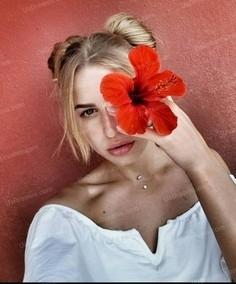 Helga Zaporozhye 25 y.o. - intelligent lady - small public photo.