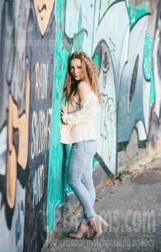 Anna Rovno 33 y.o. - intelligent lady - small public photo.