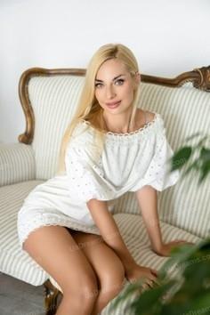 Tatyana Kharkov 36 y.o. - intelligent lady - small public photo.