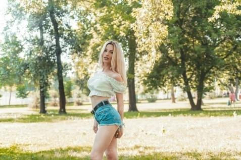 Nataly Kiev 37 y.o. - intelligent lady - small public photo.