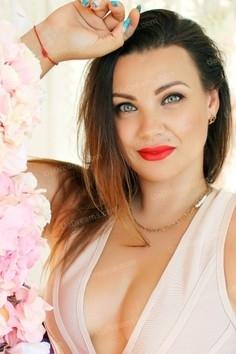 Natalia Zaporozhye 34 y.o. - intelligent lady - small public photo.