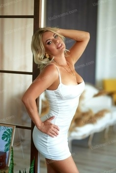 Marina Nikolaev 34 y.o. - intelligent lady - small public photo.